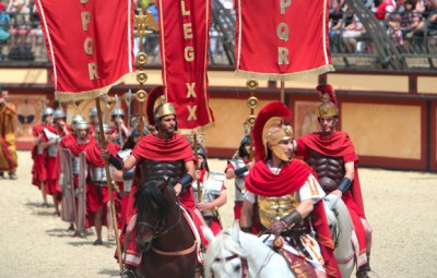 puy du fou spectacle gladiateur