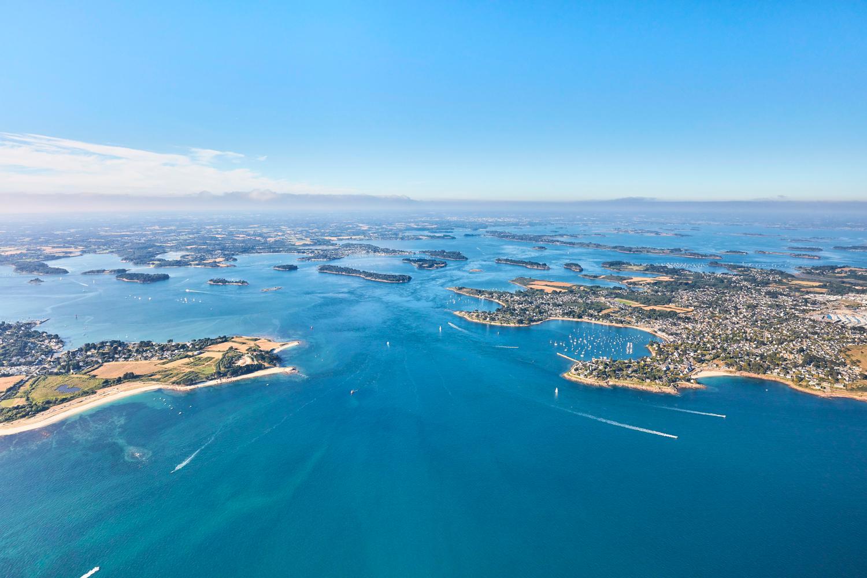 Vue aérienne du Golfe du Morbihan