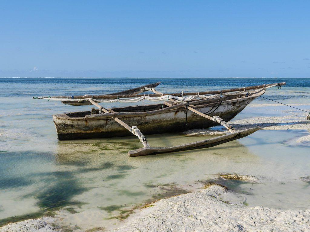 Bateau traditionnel sur une plage