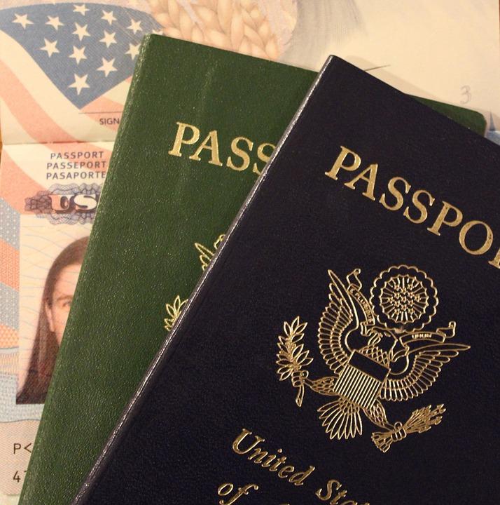 Quels sont les papiers indispensables pour partir à l'étranger ?